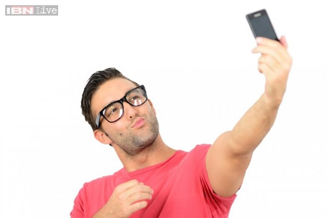why do people take selfies
